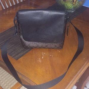 Coach bag firm on price